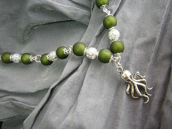 Geek Chic Dark Green and Silver Cthulhu Necklace Handmade by Rewondered