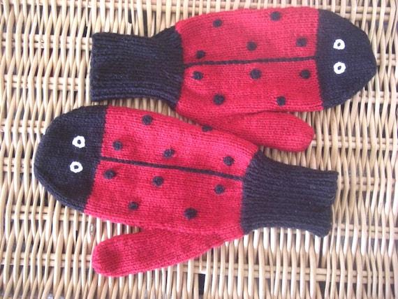 Custom Order for Clare (CrumblyLittleBiscuit) Ladies  Ladybird / Ladybug Mittens