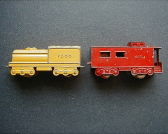 Diecast Toy Trains Yellow Yard Engine 7000 and Red Caboose 417