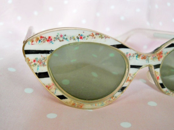 Cat Eye Sunglasses // late 50s Vintage Ultra-Fancy Cateye Sunglasses // No Shipping Charges