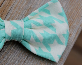 Boy's Aquamarine Houndstooth Bow Tie - clip on