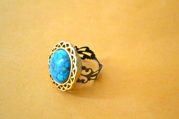 Queen Turquesa RING, Large Vintage Bead set on an Adjustable Copper/Brass Ring, Made in the USA