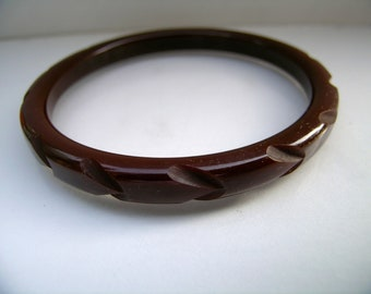 Chocolate carved bakelite bangle          VJSE