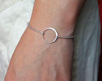 Christmas gifts for mom, Circle Charm Bracelet in Sterling Silver, bridesmaid gift, wedding, simple, everyday, single circle,eternity, W