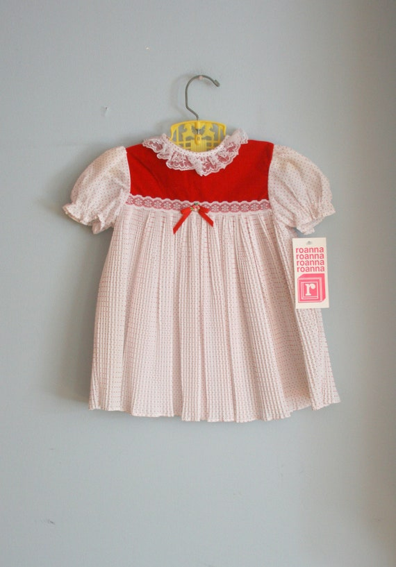 60s CANDY CANE DOTS Dress....size 2T girls....kids. children. lace. candy cane. love. fancy. 1960s dress. ruffles. polka dots. classic
