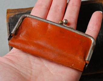Antique miniature leather purse, original patina, holder manicure set of Beauty Mate, US Zone Germany