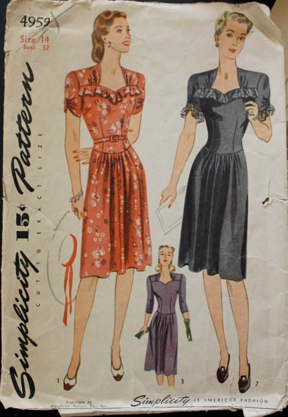 Simplicity Vintage Sewing Pattern 4959 - 1940s  Day Dress Sweetheart Neckline