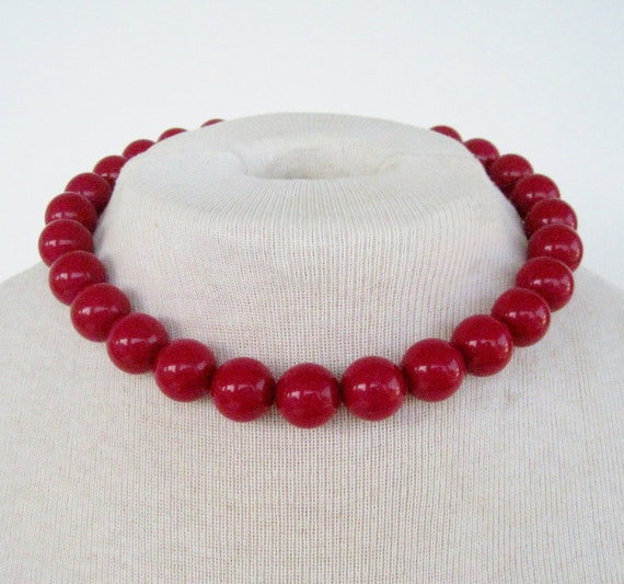 Vintage 80s Mod Hipster Red Bead Beaded Choker Necklace