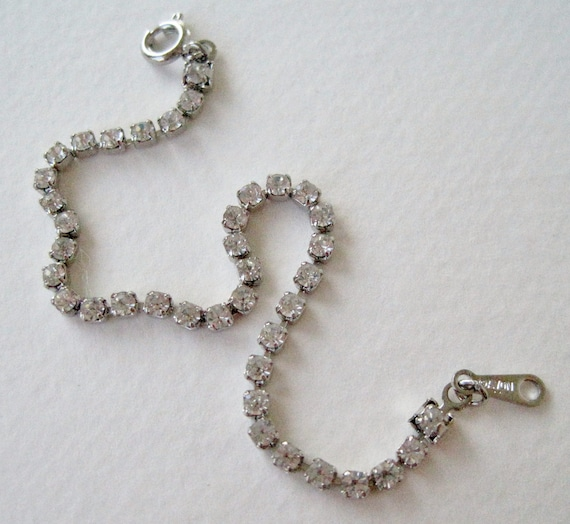 Vintage 1985 Traditional Preppy Signed Avon Size Small Brillian Dazzler Silver Tone Clear Prong Set Crystal Rhinestone Bracelet
