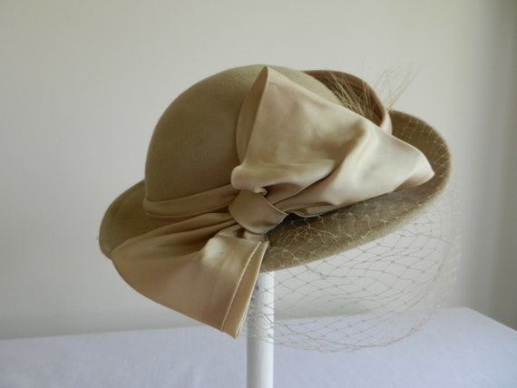 Vintage Beige Felt hat with Feather and Veil by Jody G.