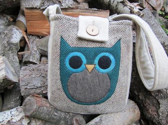Owl cross body totebag, recycled wool