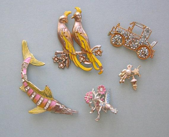 Vintage Painted Metal Brooch Lot Birds, Hummingbird Trembler, Flowered Car, Swordfish