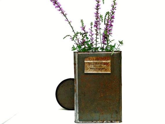 Rusty Tin Container - Industrial Decor - Shabby Chic - Modern Farmhouse