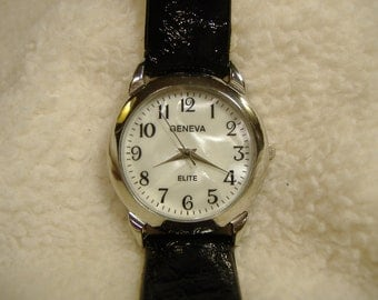 Vintage 1980s Geneva Elite Mother of Pearl Dial Quartz Watch.