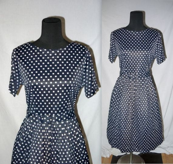 Helena  ..... Vintage 50s dress // 1950s day dress / navy polka dot / mad men office wear / housewife Betty   ... M L / bust 38