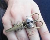 Scissor Skull Double Finger Ring