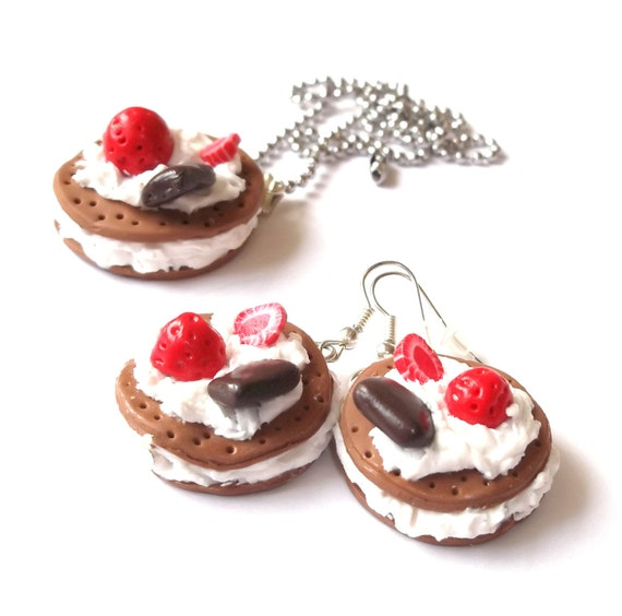 Cookie Jewelry Set ( Cookie Necklace Cookie Earrings Food Necklace cake necklace strawberry jewelry food pendant polymer clay jewelry )