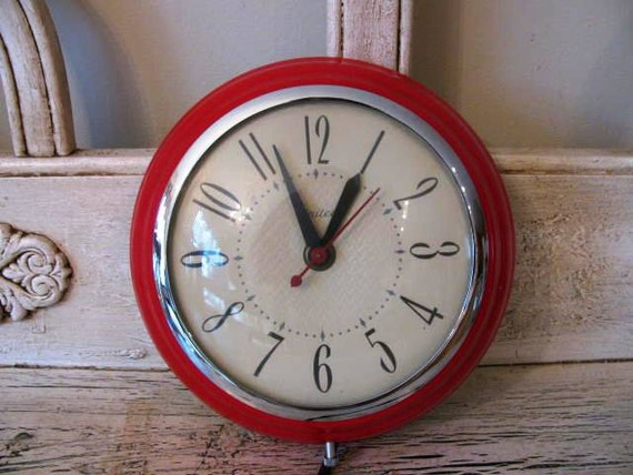 Vintage Red Wall Clock - Metal and Glass - Retro Kitchen Clock