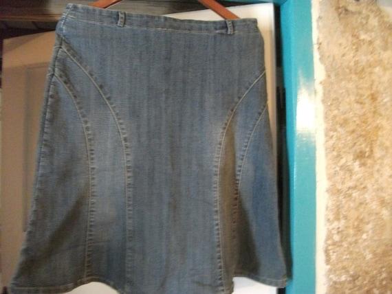 "S.A.L.E-vintage DENIM SKIRT,French size 42, fits 34"" waist, stretchy"