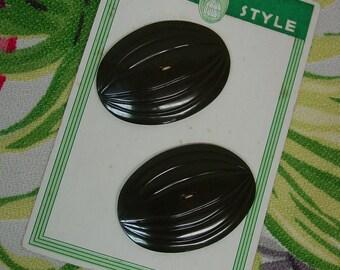 Vintage 1930's Buttons on Original Card, Huge Dk.Green Ovals with Lines