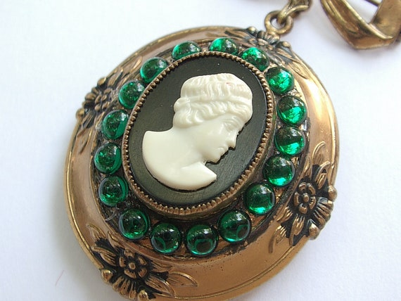 vintage Coro jewelry cameo locket brooch pin, 1940's black white jewelry green, wedding gift for bride, Valentine's day gift for her