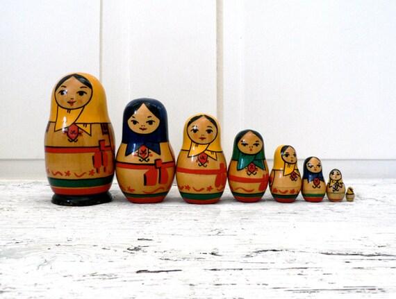 VINTAGE ///// Matryoshka Dolls, Set of 8