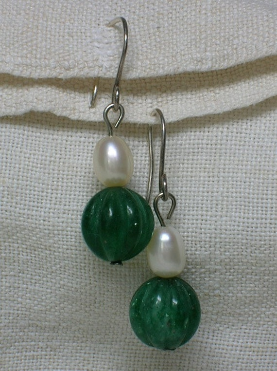 Chinese Earrings, Green Agate & Pearl. Art Deco Style, 925 Sterling Silver