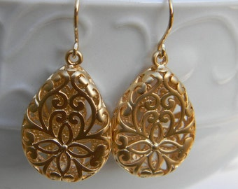 Gold Filigree Teardrop  Earrings, Gold Dangle Earrings, Gold Fashion Earrings