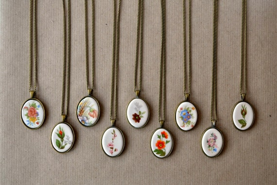 Bridesmaid gift - ceramic necklaces - vintage inspired - handmade ceramic jewelry - flower, colors - wedding favors