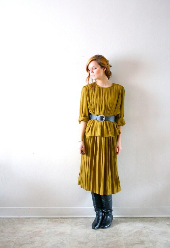 Vintage olive green flowy dress