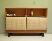 George Nelson Walnut Headboard with Cushions & Hidden Storage. Mid Century Modern Bedroom Furniture (1950's)