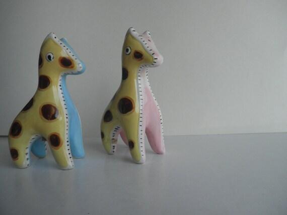 pair of pretty vintage giraffe shakers . vintage japan