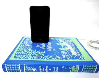 ON SALE - Wind in the Willows booksi for iPhone and iPod - Leather