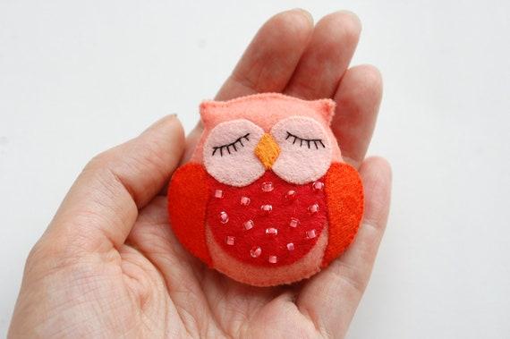 Felt Brooch - OWL
