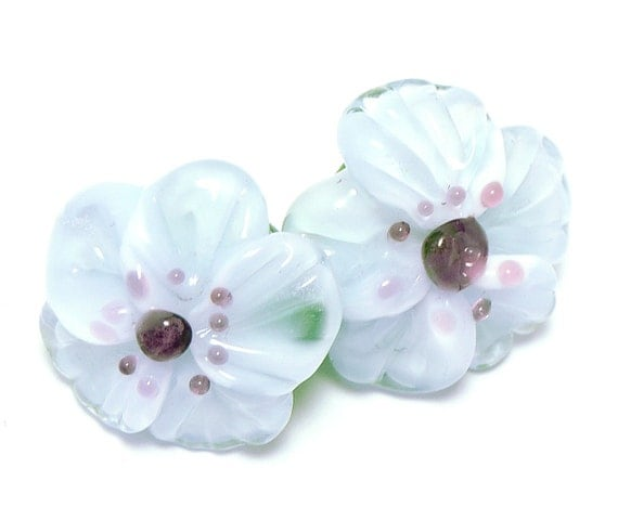 Glass shank buttons pair white Anemone flowers