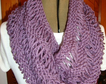 Cowl Hand knitted in Purple