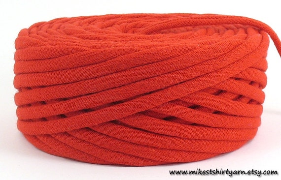 Recycled T Shirt Yarn Red 38 Yards