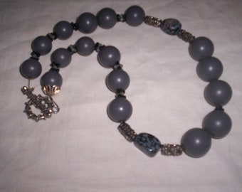 vintage necklace gray beads
