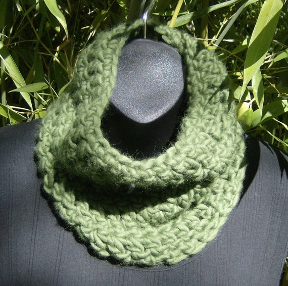 Crocheted Green Cowl/Neckwarmer/Scarf in Soft Merino and Cashmere Wool