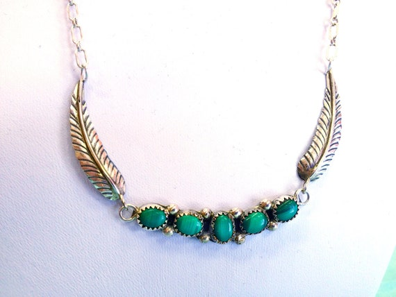 Beautiful Vintage Native American Malachite Petit Point & Feather Wing 925 Sterling Silver Necklace