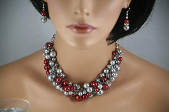 Bridesmaids necklace in red and gray pearls -wedding jewelry, bridesmaids necklace, statement necklace