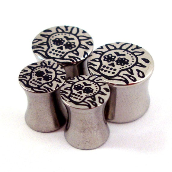 """Sugar Skull Double Flared Plugs - Stainless Steel - 2g 0g 00g 7/16"""" (11 mm) 1/2"""" (13mm) 9/16"""" (14mm) 5/8"""" (16mm) - Metal Gauges"""