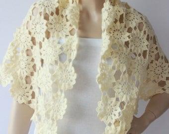 Bridesmaid Triangle shawl  ,Bridal shawl crochet shawl scarf ,capelet wrap in creme -ivory