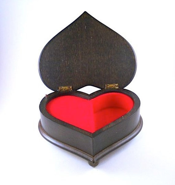 Reuge Wood Heart Trinket Music Box from Switzerland Romeo and Juliet