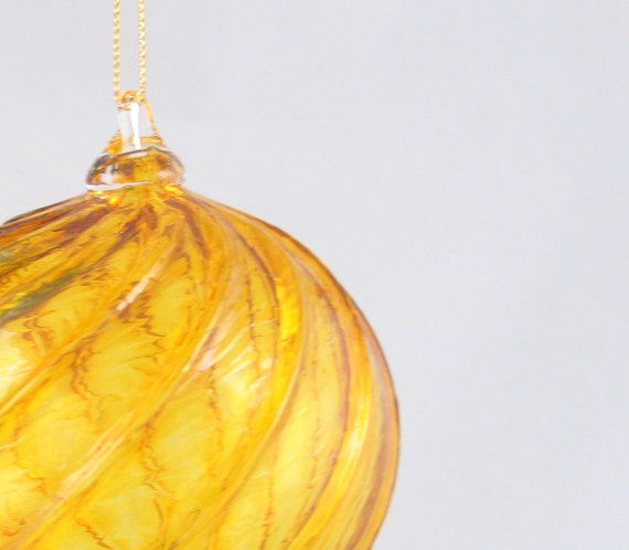Hand Blown Glass Ball Orb Window Hanging Ornament Suncatcher Honey Gold Yellow