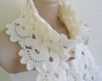 Crocheted Ivory Lace Neckwarmer,fashion,autumn,Holiday Accessories,Christmas,Halloween,gift