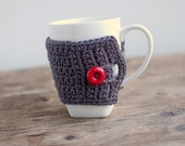 TEA COZY, MUG Cozy Mocha with red button by The Cozy Project