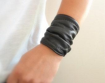 Black Leather Cuff, Leather Wrap Bracelet, Women Bracelet Cuff, Black Wrap Leather Cuff,  Leather Jewellery, Boyfriend Gift, Girlfriend Gift