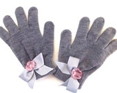 Grey Knitted Mittens With Rose And Ribbon Embelishments