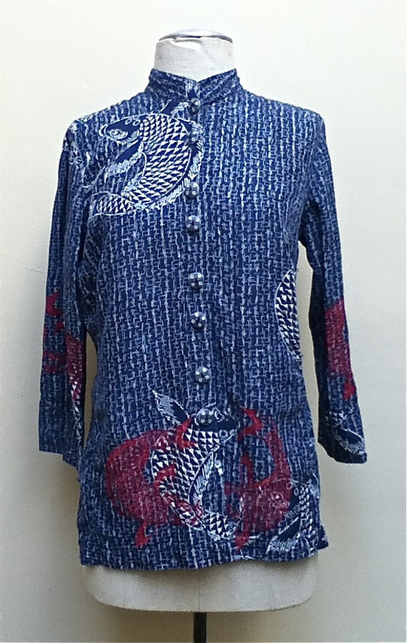 Pretty Asian style red,white, and blue silk and linen jacket/blouse with 3 quarter sleeves